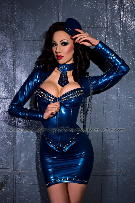 Brigitte_More-Jade_Vixen-Blue_2rs-LOGO